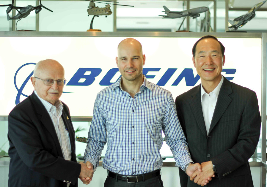 President of Boeing Israel, David Ivry, CEO of Assembrix, Lior Polak and Korea-Israel offset program