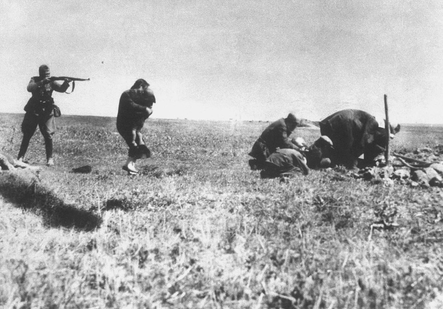 EINSATZGRUPPEN OFFICERS murder Jews in Ivanhorod, Ukraine, in 1942