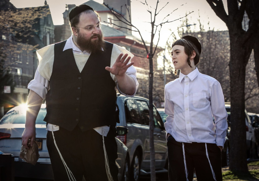 'Menashe,' a Yiddish movie with a big heart