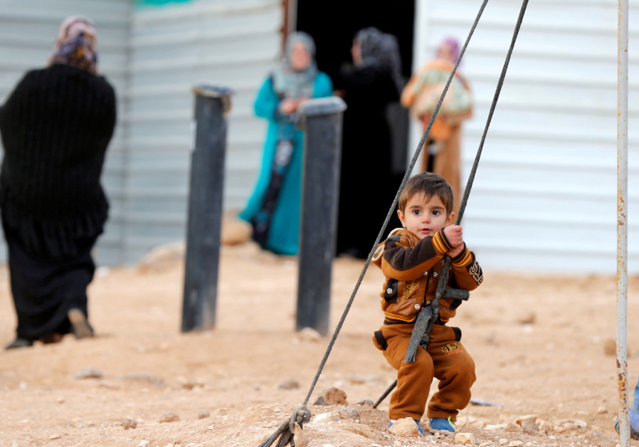 Fear and uncertainty grip Syrians sheltering near Israel border