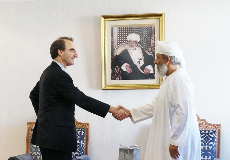 Jason Isaacson with Sheikh Abdallah Bin Mohammed Bin Abdullah Al Salmi, Minister of Awqaf and Religi