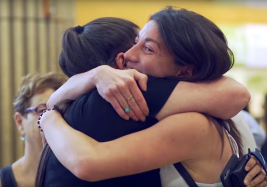 Birthright flash mob: A warm welcome to Israel