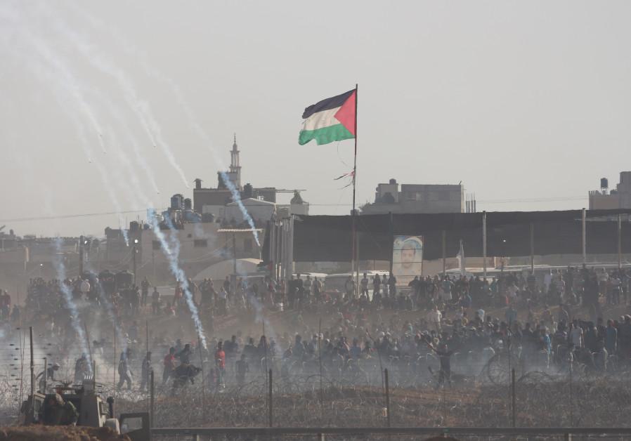 Protests near Khan Yunis on Gaza border June 8, 2018
