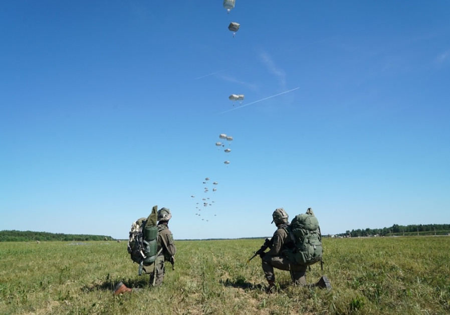 IDF paratroopers parachute into Europe, first time since Hannah Senesh