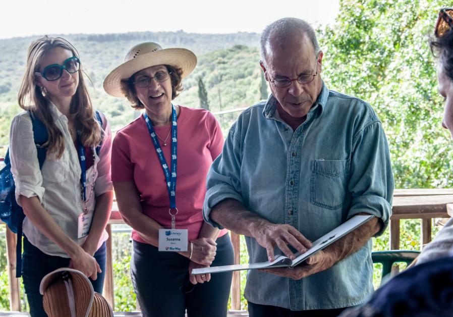 PJ Library authors meet Israeli author Meir Shalev.