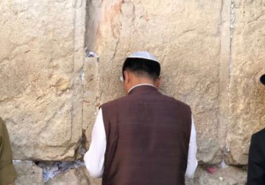 Tibetan President-in-exile Lobsang Sangay prays at the Western Wall, June 24th, 2018