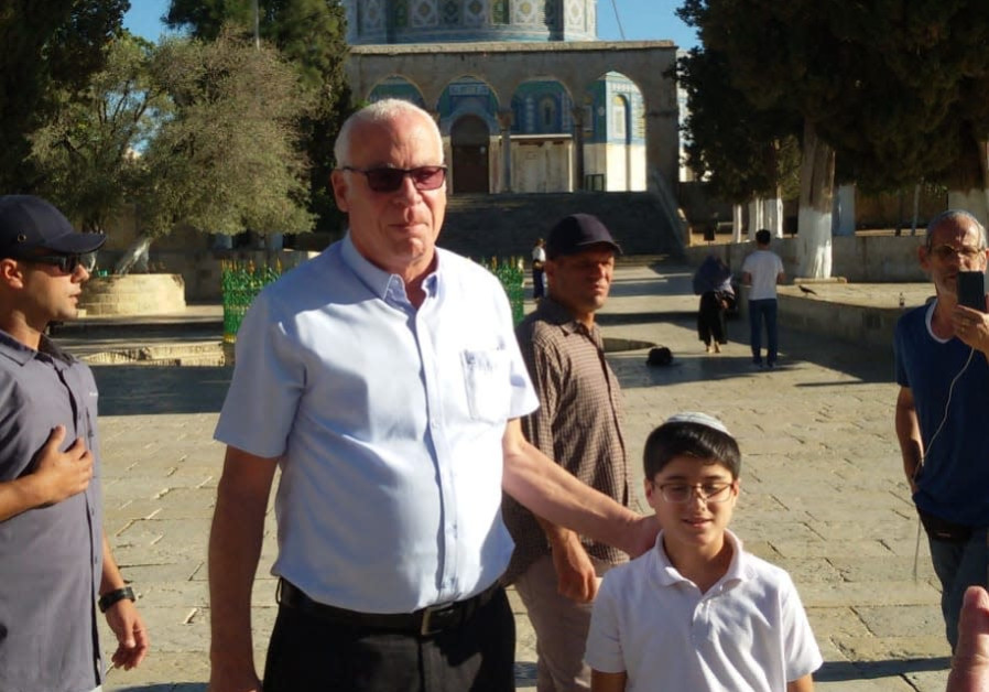 Minister ascends the Temple Mount after three-year ban lifted
