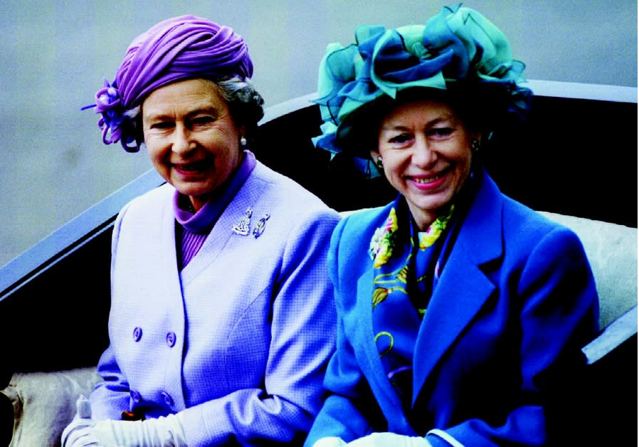Princess margaret with queen Elizabeth