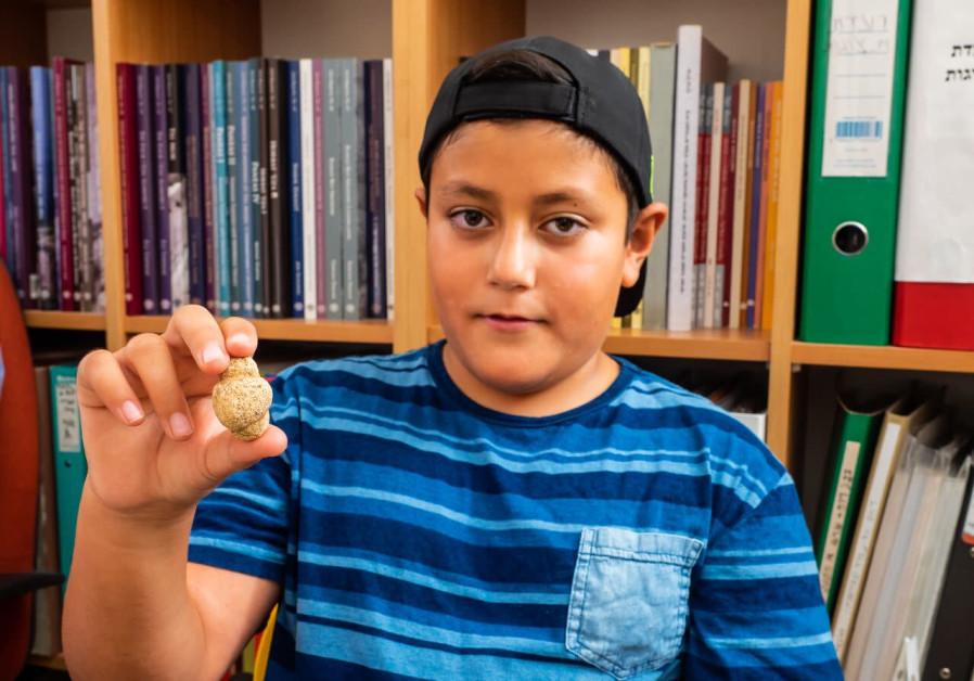 Israeli child unearths rare 11,500-year-old fertility figurine
