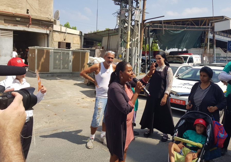 Yesh Atid MK Pnina Tamano-Shata at a school that was closed due to a strike in Bnei Brak