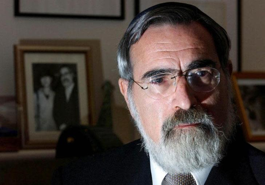 Corbyn must 'repent and recant' says former UK chief rabbi Sacks