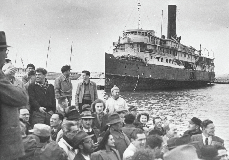JEWS IMMIGRATE to the Land of Israel, 1947. Today there are some 400,000 Israeli citizens who came f