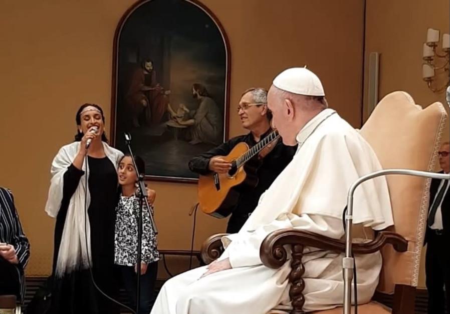 Pope francis achinoam
