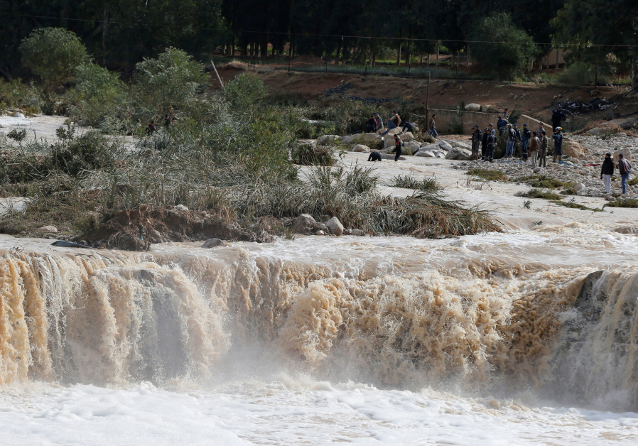 Heavy flooding in Jordan: 12 killed, 3 Israeli tourists missing