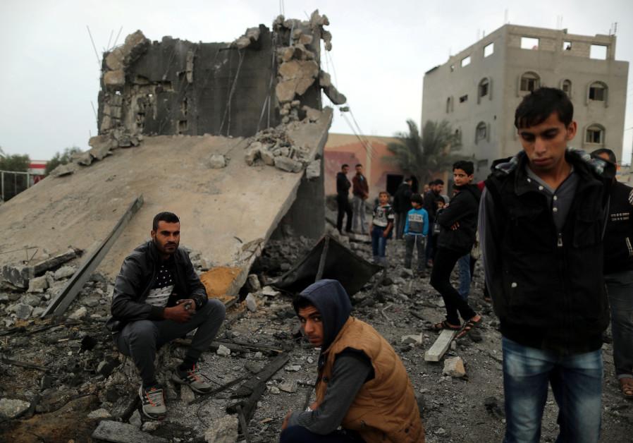 Report: IDF artillery attacks Hamas positions in Gaza Strip