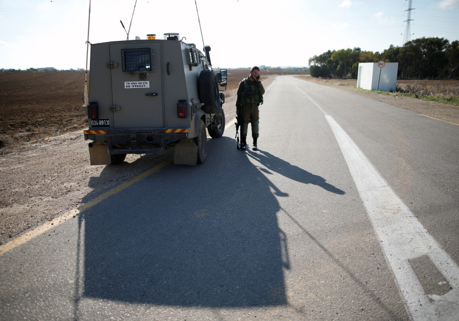 Palestinian militants, Israeli commando killed after botched military operation