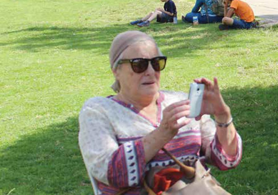 A hassidic grandmama...