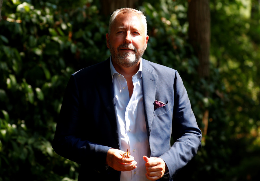 Steve Bannon picks Jewish-Belgian lawyer to unite European right