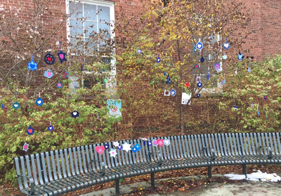 HAND-CRAFTED Jewish stars from volunteers around the globe have been hung up around the city of Pitt