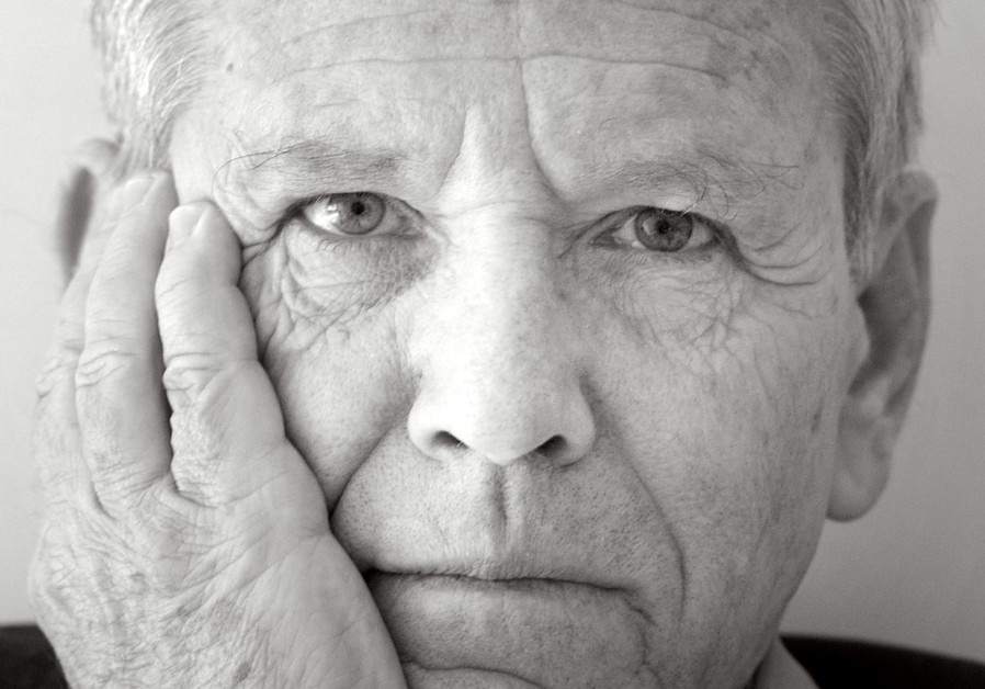 AMOS OZ worries that secular sensibilities are on the decline in the State of Israel