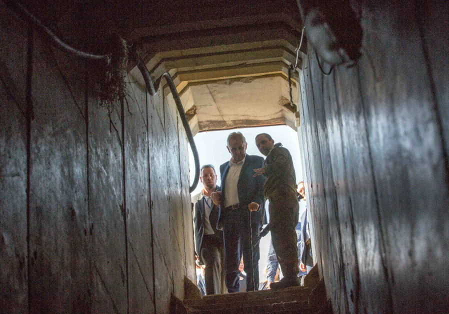 How did Israel's enemies become experts in tunnel warfare?