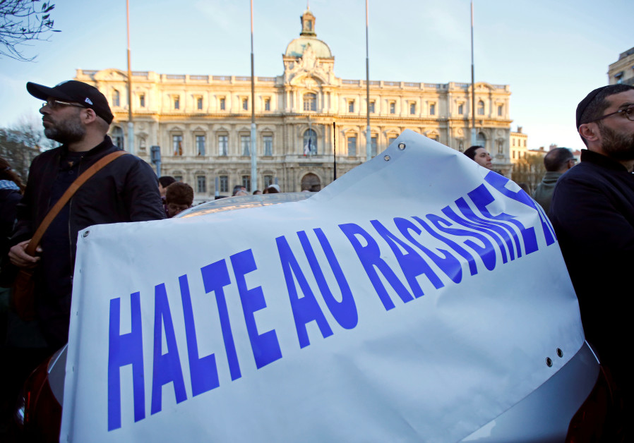 France mobilizes against antisemitism?