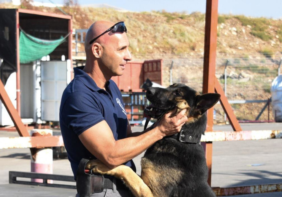 WOOF! Israeli police welcome arrival of 28 Czech police dogs
