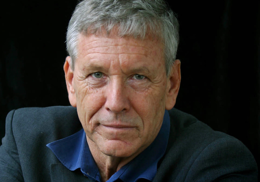 Famed Israeli author Amos Oz passes away at 79
