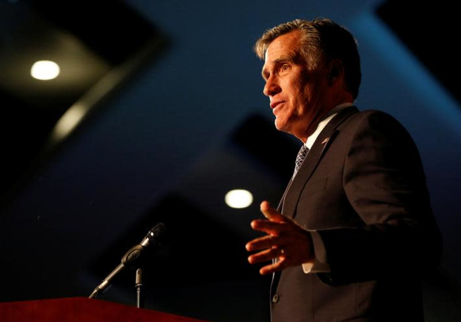 Mitt Romney admits to fake Twitter account: 'C'est moi'