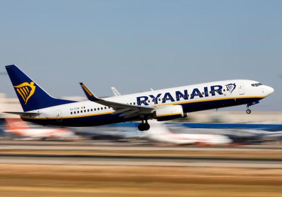 A Ryanair Boeing 737-800 plane