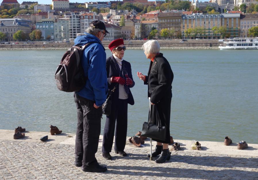IDEON HARTMAN (left), Anki Tauber (center) and Vera Rudnai