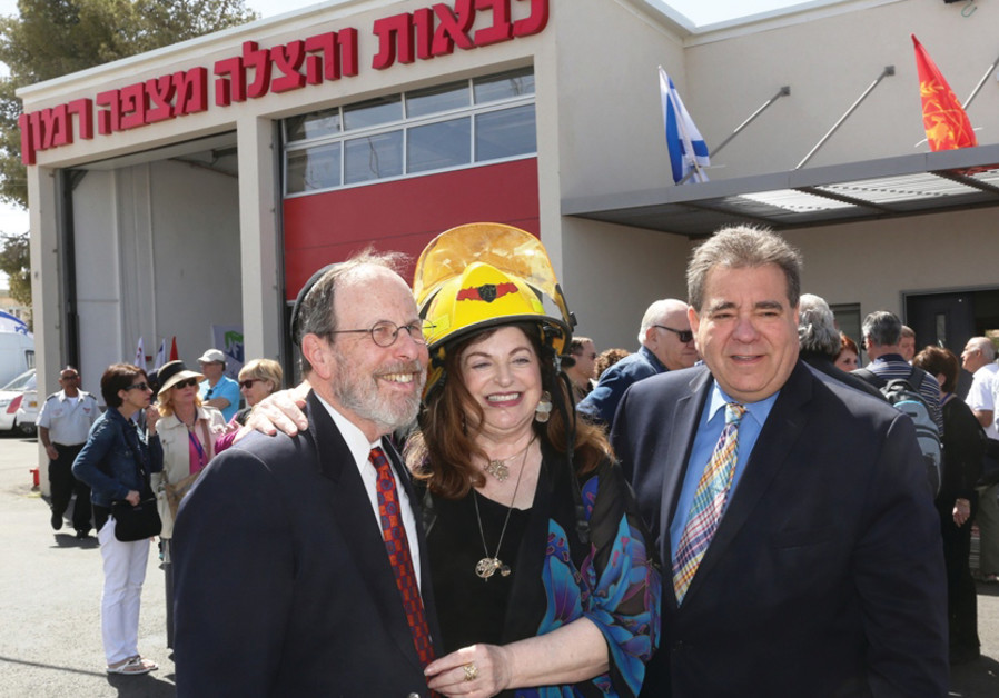 STEPHEN AND PENNY ROSEN with JNF-USA CEO Russell F. Robinson at Mitzpe Ramon's new fire station dedi