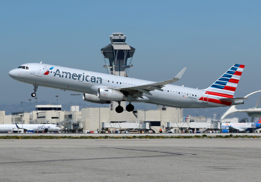 An American Airlines Airbus A321-200 plane takes off Los Angeles International Airport (LAX)