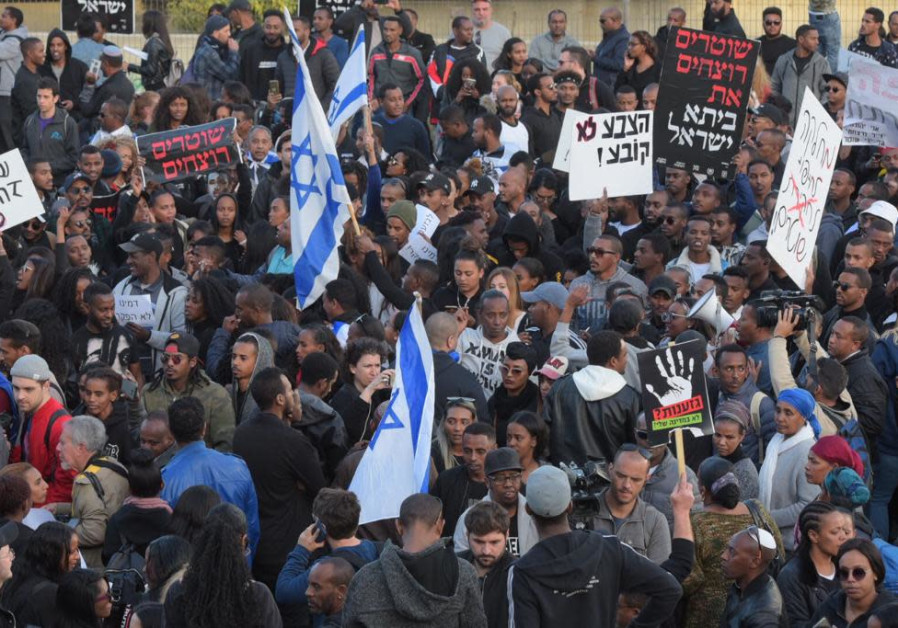 Ethiopians protest after the murder of Yehuda Biagda due to police brutality, Tel Aviv, Jan. 2019