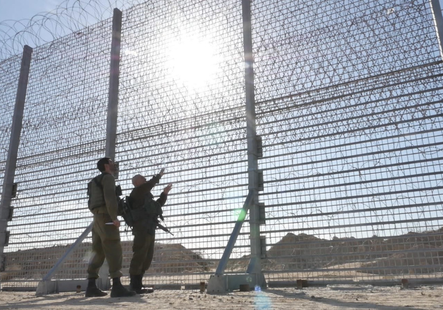Defense Ministry begins construction of smart-fence along Gaza border.