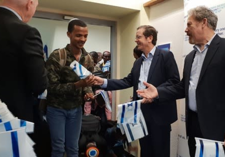 First 83 of 1,000 Ethiopian immigrants arrive in Israel