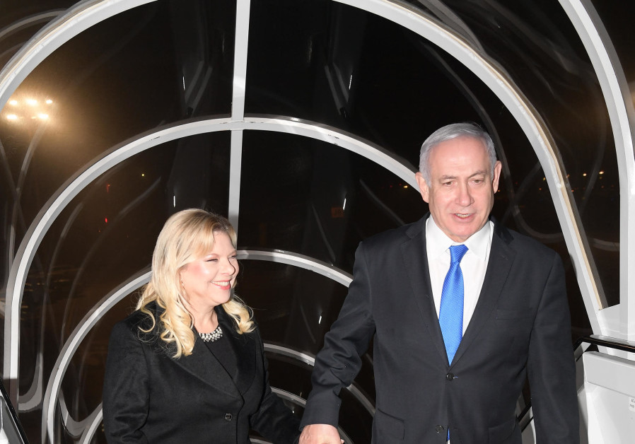 Prime Minister Benjamin Netanyahu and his wife Sara boarding the plane to Warsaw