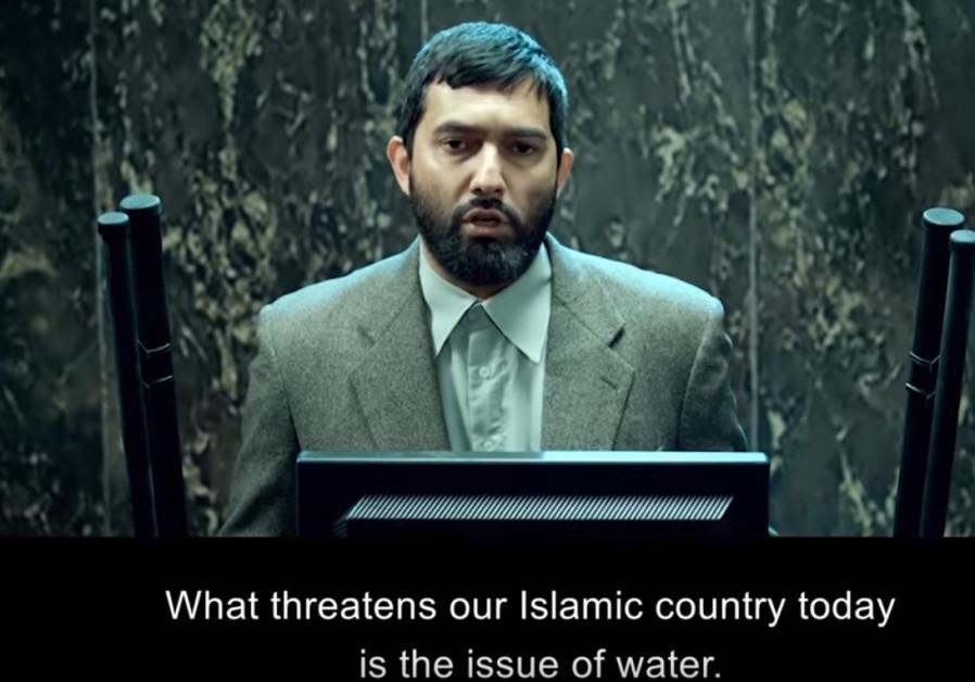 Iranian film director dares to make fun of Ahmadinejad