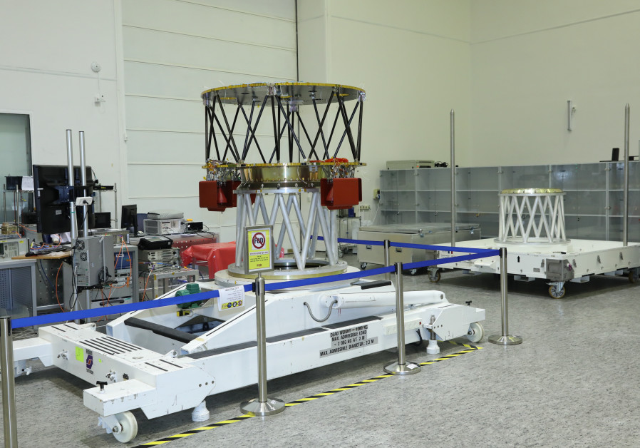 The process of building the spacecraft in the clean room of IAI (Yaakov Saar)