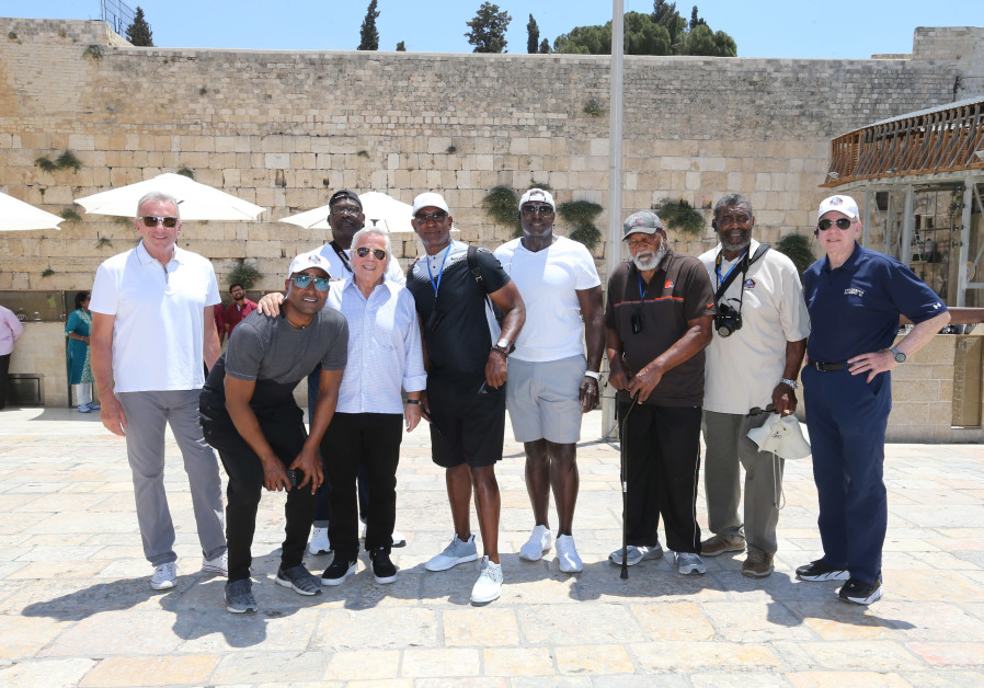 Robert Kraft visits Israel with football players.