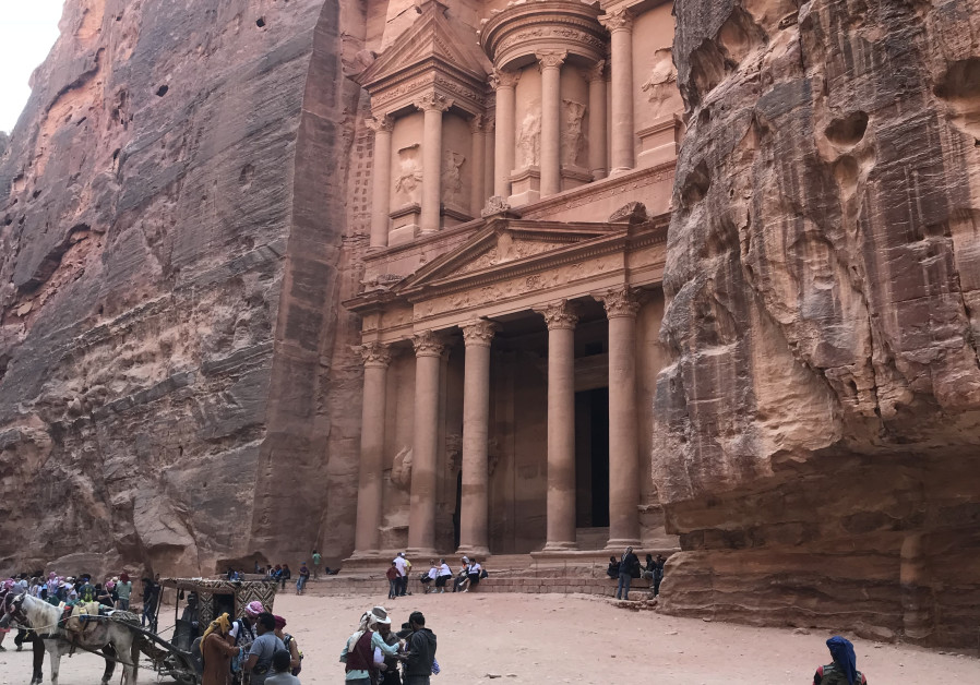 The famous Al Khazneh (Treasury) structure in Petra