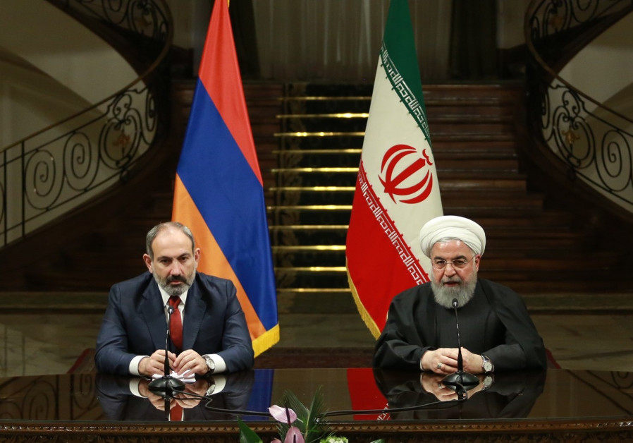 Iranian President Hassan Rouhani (R) and Prime Minister of Armenia, Nikol Pashinyan (L)