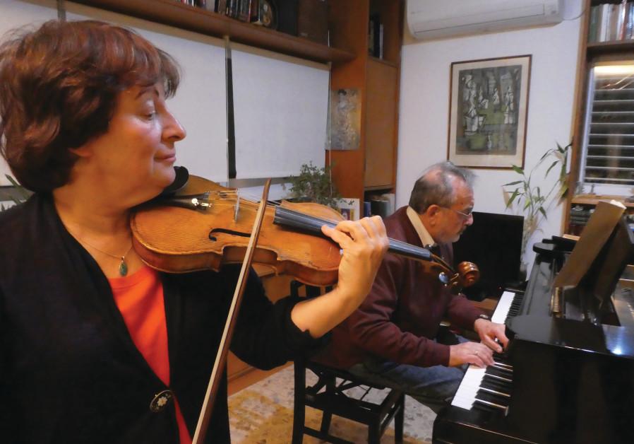 VERA VAIDMAN and pianist Emanuel Krasovksy.
