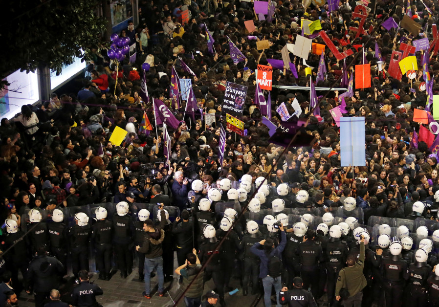 International Women's Day march Istanbul (REUTERS/KEMAL ASLAN)