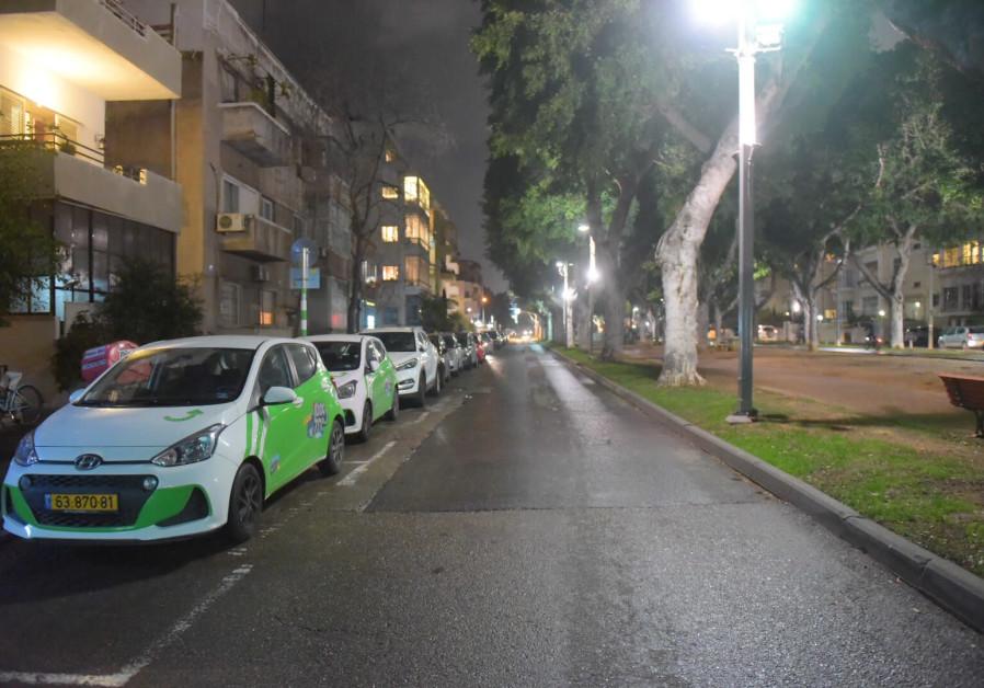 Streets of Tel Aviv seen empty as the rocket sirens were heard on Thursday
