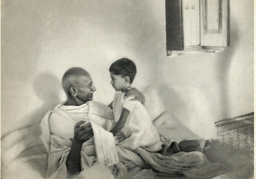 Rosh Hashanah 1939 greeting from Mahatma Gandhi discovered