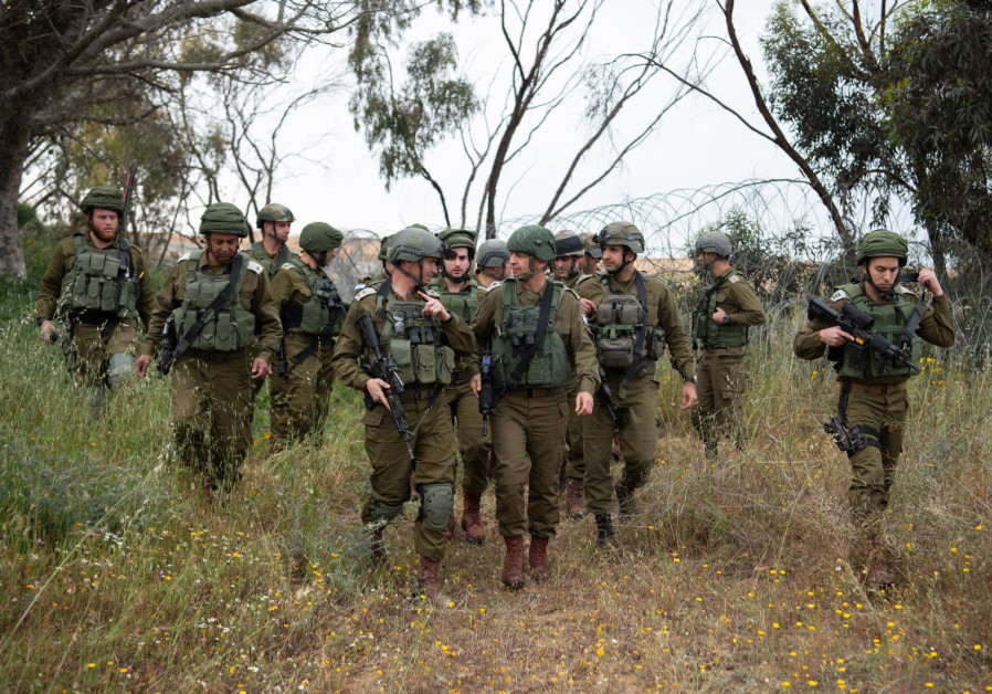 IDF soldiers prepare for expected escalation along the Gaza border, March 29, 2019.