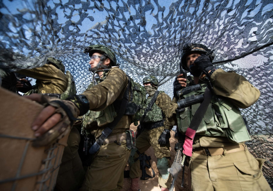 IDF soldiers on the Gaza border