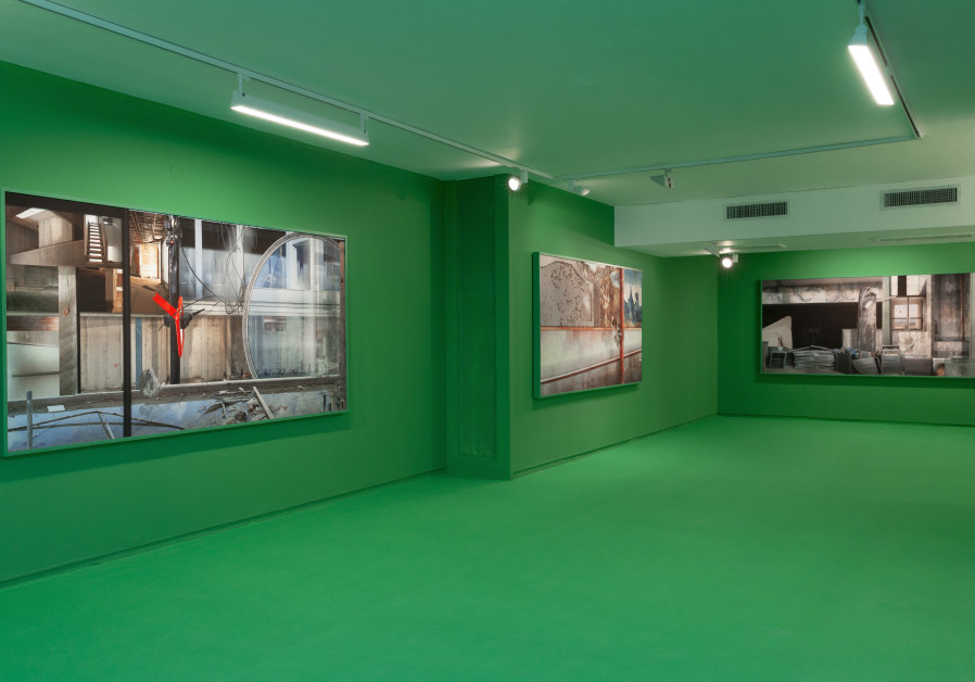 """The """"Green Room"""" in Ilit Azoulay's Regarding Silences (credit: Eyal Avigayev)"""