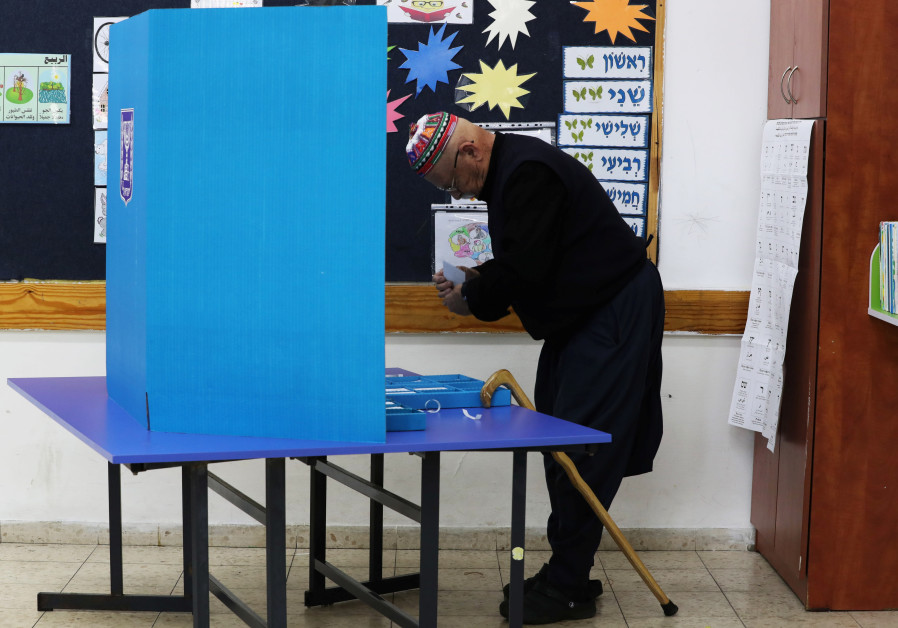 Druze man votes, April 9, 2019